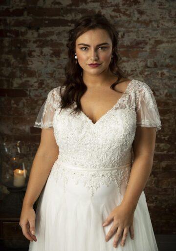 Curvy Brides at Fairytale Bride